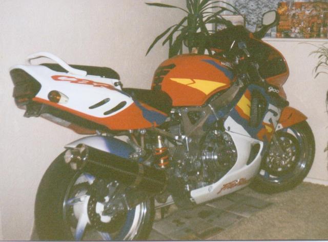 honda-fireblade-1996-001